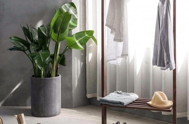 minimalistyczna szafa organizacja garderoby
